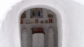 У Омској области подигнута црква од снега