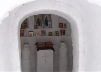 U Omskoj oblasti podignuta crkva od snega