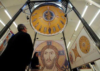Mozaik za Hram Svetog Save stiže u Beograd