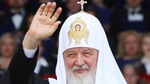 Patrijarh RPC Kiril pozvao sveštenike da se okanu skupih automobila, čak i ako su ih dobili na poklon.