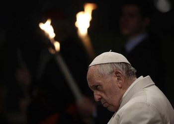 """Sto katoličkih sveštenika i teologa optužuje papu Franciska da širi """"jeretičke ideje"""""""