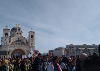 У сусрет Васкрсу лета Господњег 2020. поздрављам вас радосним поздравом:  Црна Гора васкрсе!!!