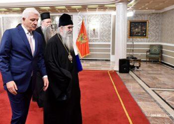 Премијер Марковић формирао експертски тим за преговоре са Митрополијом
